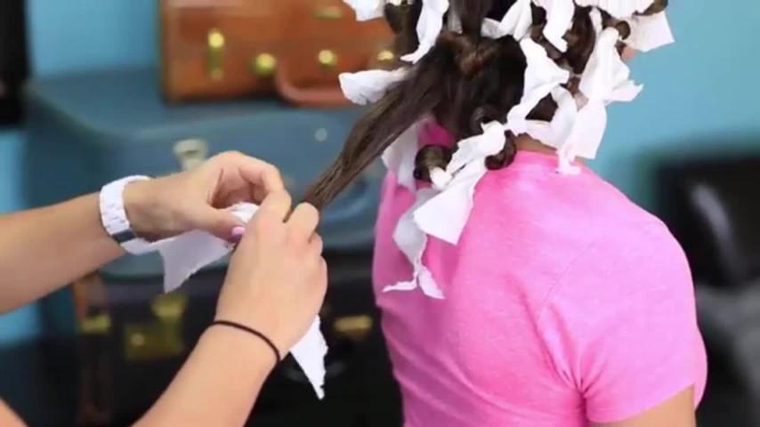 Come fare i capelli ricci con la carta da cucina - Cucina fanpage facebook ...