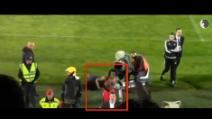 Benfica, la risposta agli insulti razzisti: Sanches imita una scimmia