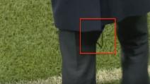 Zidane, pantaloni strappati durante Manchester City-Real Madrid