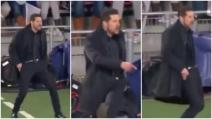 """Il """"balletto"""" di Simeone in panchina: lo spettacolo dell'allenatore dell'Atletico"""