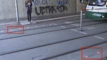Luci rosse a terra a bordo strada: la trovata per chi è dipendente dagli smartphone