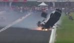 Dragster decolla a 350 km/h: schianto impressionante fuori pista