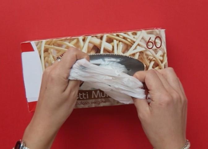 Come riciclare le buste della spesa  11 modi per riutilizzare i ... b054dcb921e