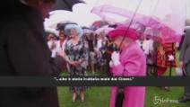 """La regina Elisabetta se la prende con i cinesi: il suo """"attacco"""""""