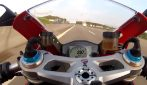 Ducati 1199 Panigale S a oltre 300 km/h in autostrada: adrenalina pura