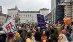"""Torino, migliaia di """"Sì Tav"""" manifestano in piazza Castello"""