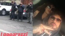 Fabrizio Corona e Asia Argento inseguiti dai paparazzi: i commenti ironici su Instagram