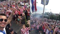 La festa della Croazia al rientro in patria: l'accoglienza dei tifosi è da brividi