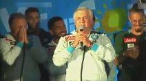 """Ancelotti canta durante il ritiro del Napoli """"I migliori anni"""""""