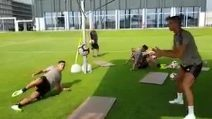Intesa tra Dybala e Ronaldo: ecco come si allenano insieme