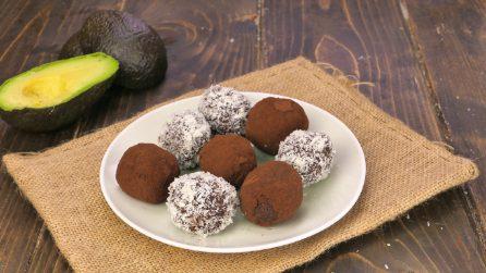 Tartufi di avocado e cocco: il dolcetto poco calorico e pieno di gusto!