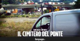 Tra le macerie sotto il ponte Morandi, quello che resta dopo la il crollo a Genova