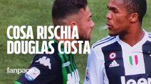 Douglas Costa, sputo a Di Francesco contro il Sassuolo: cosa rischia il calciatore della Juventus