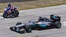 Formula 1 contro superbike: la sfida al cardiopalma