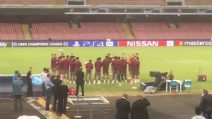"""Il Liverpool è a Napoli: lo strano """"allenamento"""" di Klopp e i suoi sul campo del San Paolo"""
