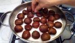 Come cuocere le castagne con il sale: il metodo perfetto
