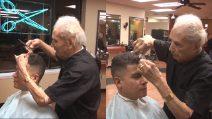 È napoletano, ha 108 anni e lavora ancora. Anthony Mancinelli, il barbiere più anziano al mondo