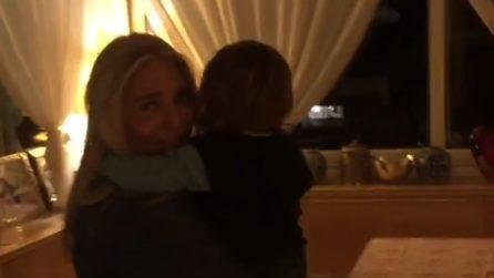 Mara Venier coccola il suo nipotino dopo la diretta di Domenica in