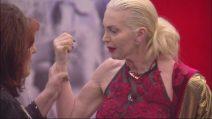 Grande Fratello Vip 2018, il confronto fra la Marchesa d'Aragona e la Contessa Patrizia De Blanck