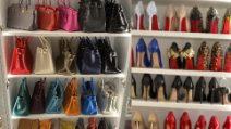 La collezione infinita di scarpe e borse di Wanda Nara