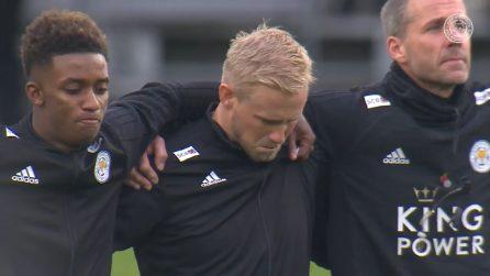 Leicester, un minuto di silenzio prima della partita: Schmeichel scoppia in lacrime