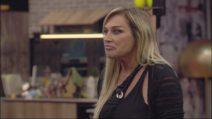 """Lory Del Santo rientra nella Casa del GFVip2018: """"Non ho ordito alcun complotto"""""""