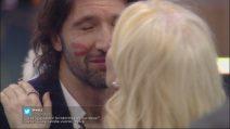Grande Fratello VIP: la Marchesa entra e bacia Walter Nudo