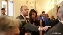 Napoli, Belen contestata: la showgirl litiga con i fotografi a Tutto Sposi