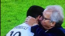Juventus-Udinese 2-1, l'abbraccio tra Bonucci e Del Neri