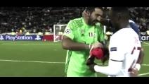 Lione-Juventus: l'avversario chiede un regalo a Buffon a fine partita, ma non vuole la maglia