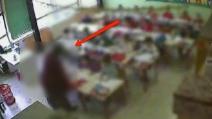 Milano, sospesa maestra violenta: l'audio con le frasi shock ai suoi alunni