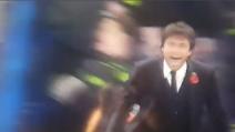Il Chelsea segna il quinto gol e Conte esulta come fosse il primo
