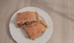 Pizza di scarola e salsiccia