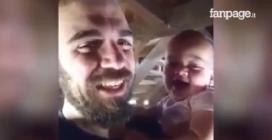 Pai e filho não conseguem parar de rir: imagens hilariantes