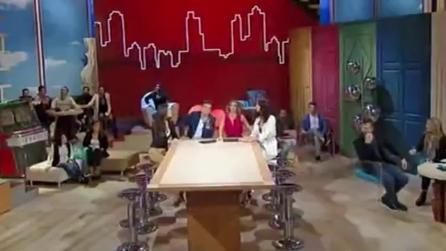 Terremoto in diretta tv durante Uno Mattina: Timperi invita gli ospiti a lasciare lo studio
