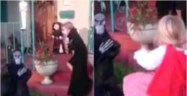 Halloween, il mostro terrorizza il bambino: la sorellina prende le sue difese
