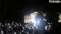 """Trump presidente, esplode la protesta davanti alla Casa Bianca: """"F*ck Donald Trump"""""""