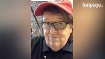 """Michael Moore nel grattacielo del neo presidente: """"Mr. Trump sono qui, voglio parlarti"""""""