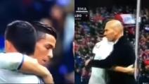 Cristiano Ronaldo viene sostituito: abbraccio con James Rodriguez e Zidane