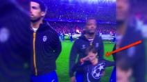 Siviglia-Juventus, la Dab Dance dei bambini durante l'inno Champions