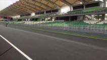 MotoGp, Valentino Rossi impenna nei test Yamaha a Sepang