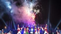 L'arrivo e il medley di Laura Pausini al Castello di Disneyland Paris