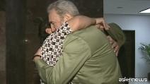 """Cuba, Maradona rende omaggio a Fildel Castro: """"È stato come un secondo padre"""""""