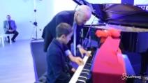 Terremoto Norcia, il pianoforte di Gino Paoli donato al bambino: il piccolo Marco può tornare a suonare