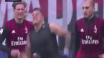 Milan-Crotone, l'esultanza di Lapadula dopo il gol vittoria