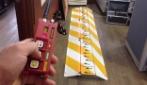 Il funzionamento di una striscia chiodata con controllo a distanza