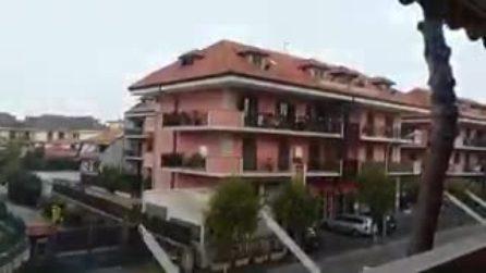 Napoli, primi fiocchi di neve cadono sulla città