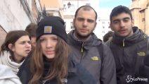 """Roma, gli studenti del licelo Cavour evacuati dopo il terremoto: """"Abbiamo avuto paura"""""""
