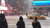 Gelo a New York, la tempesta di neve investe la Grande Mela
