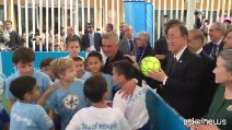 """Roberto Baggio compie 50 anni: il calcio onora il """"divin codino"""""""